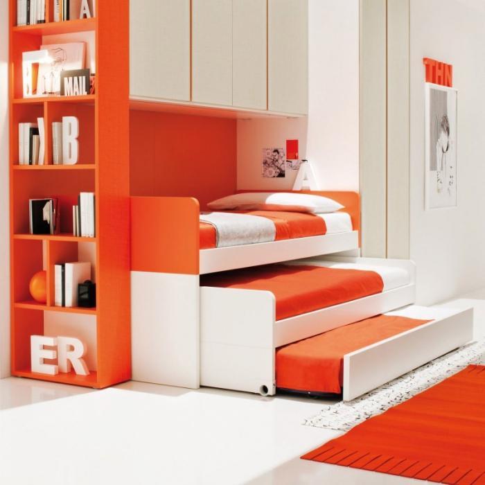 кровать трехъярусная выкатная
