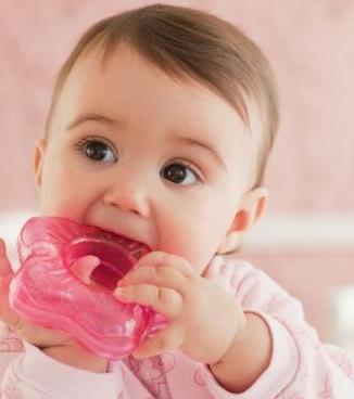 Как едят дети при прорезывании зубов