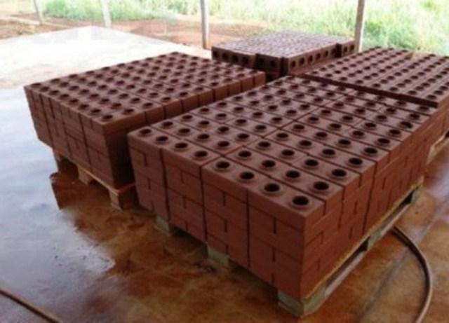 Сырье для лего кирпича