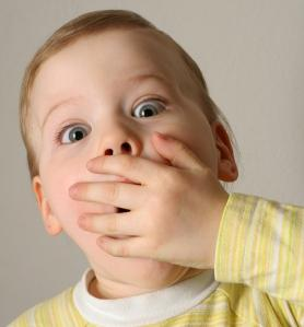 причина запаха изо рта у ребенка
