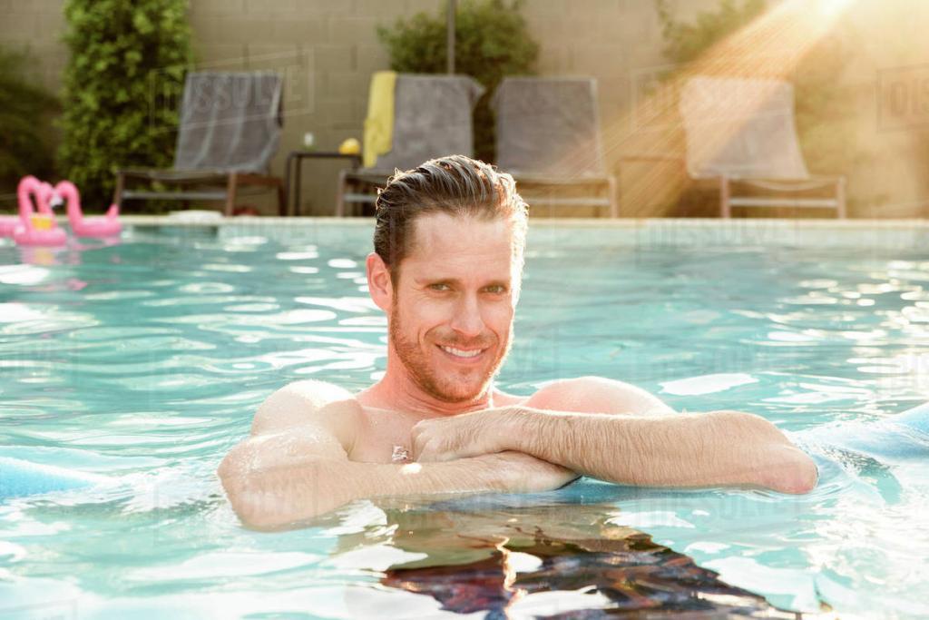 упражнения для сжигания жира на животе в бассейне