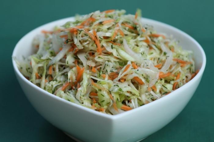 салат со свежей капустой витаминный