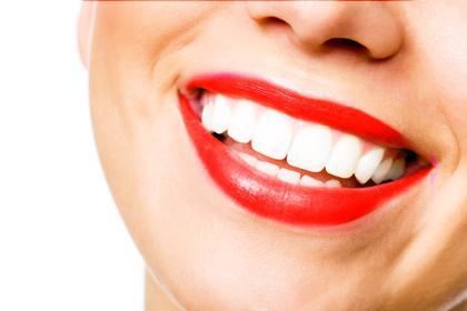 отбелить зубы вредно или нет