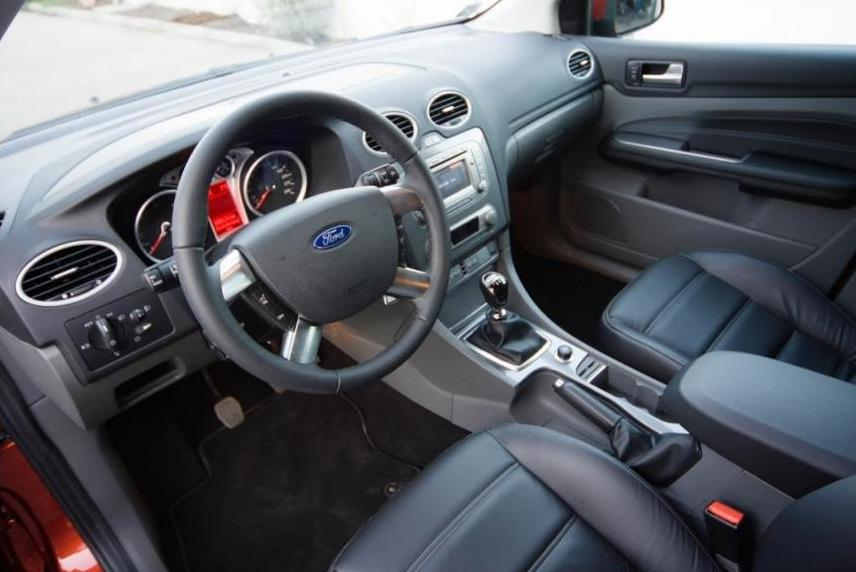 Ford Focus 2 интерьер