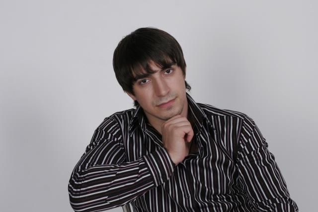 Биография - Ринат Каримов