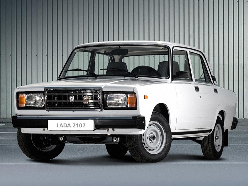 Машина Лада 2107