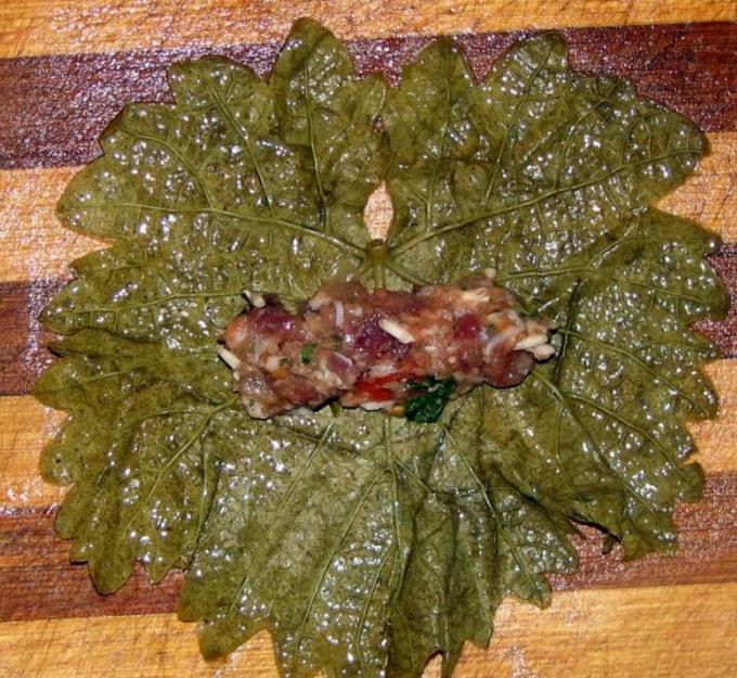приготовление виноградных листьев для долмы
