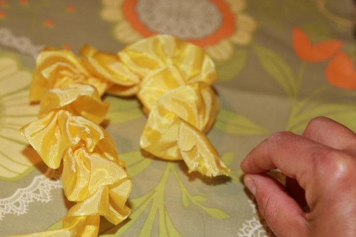 Сделать быстро цветок из атласной ленты своими руками