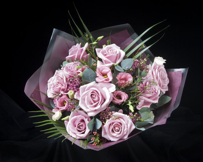 как красиво упаковать цветы сеткой