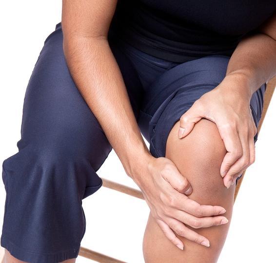 Что делать, если болят колени - чем лечить и к какому врачу обратиться?