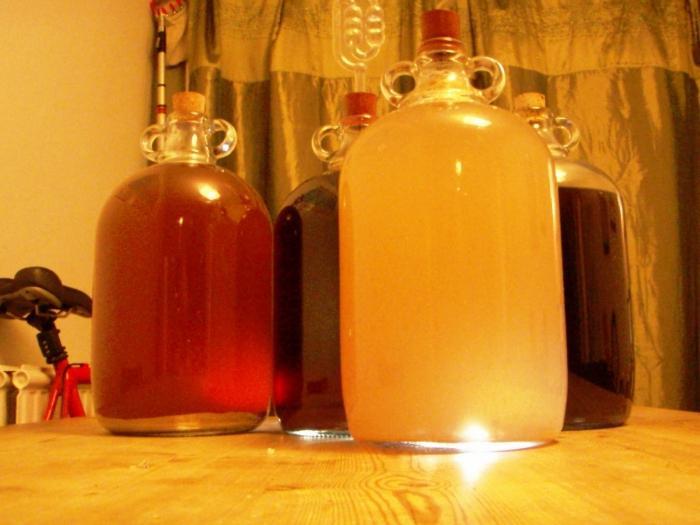 Вино из яблочного сока в домашних условиях