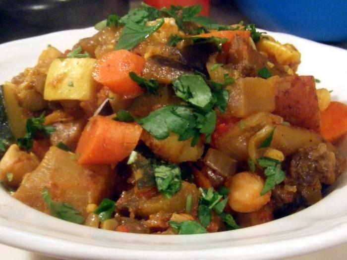 тушеная картошка с кабачками и помидорами