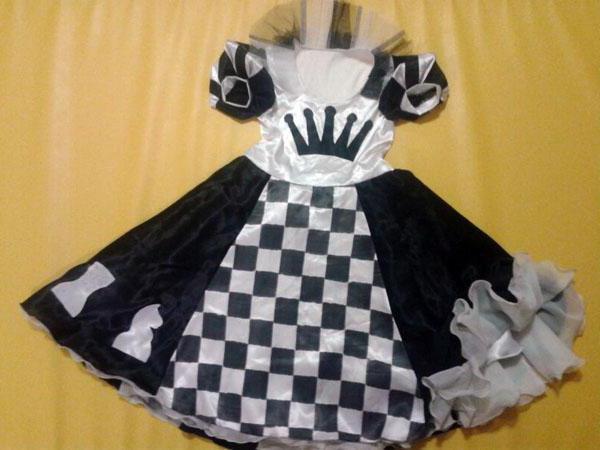 Костюм шахматной королевы для девочки своими руками 2