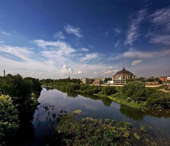набережная реки Упы