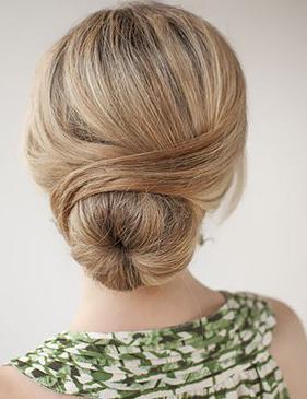 Как сделать шишку на короткие волосы