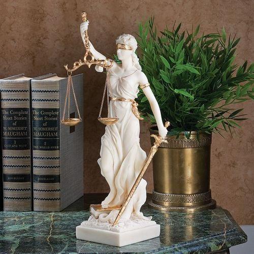 кто такие юристы международники