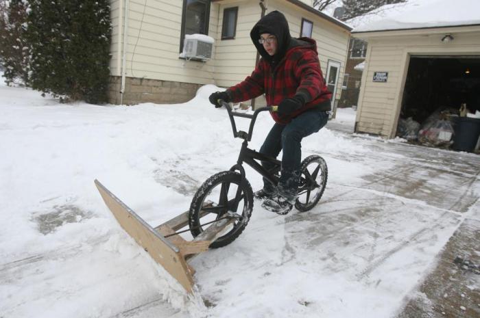 Как сделать скребок для снега фото 298