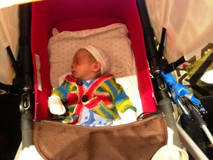 Во что одеть новорожденного ребенка летом