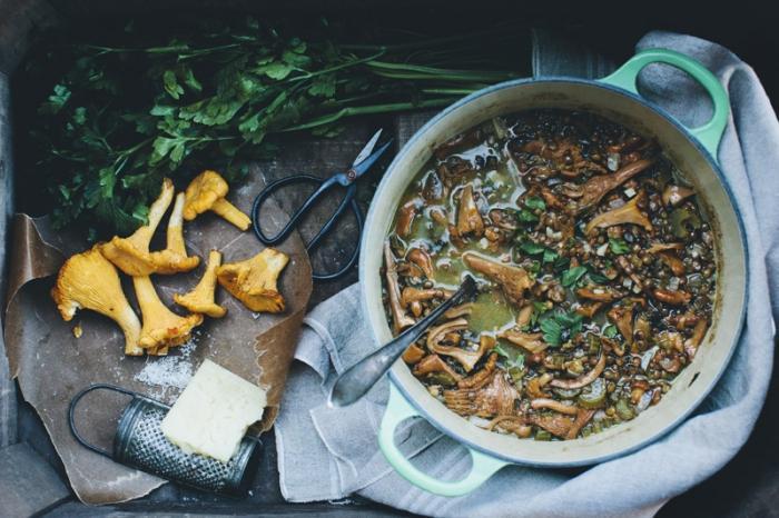 Как приготовить блюдо в горшочках из мяса