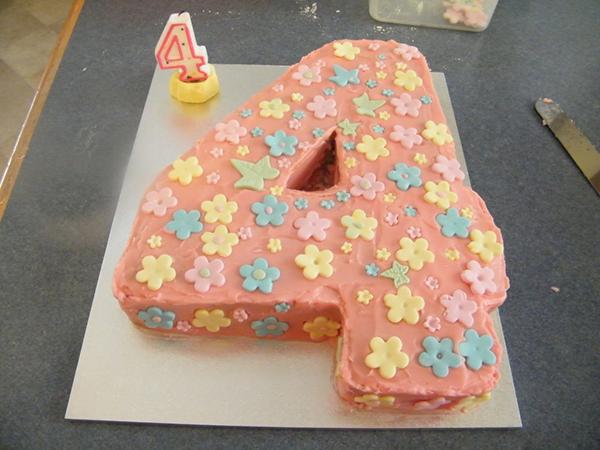 Торт для девочки (4 года)