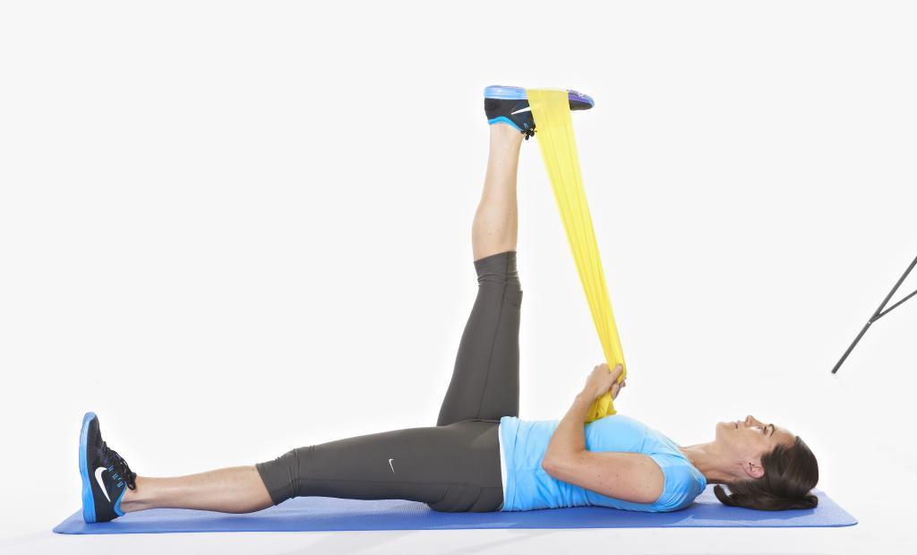 Эффективные упражнения для задней поверхности бедра в домашних условиях