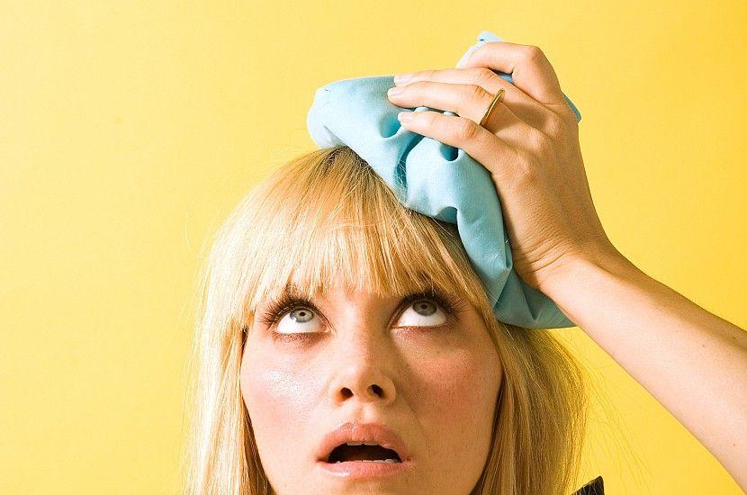 Заложило уши, болит голова: что делать?