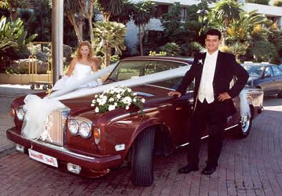 Как украсить свадебную машину красиво и правильно