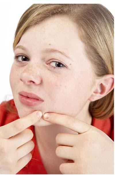 Можно ли лицо протирать перекисью водорода от прыщей на лице