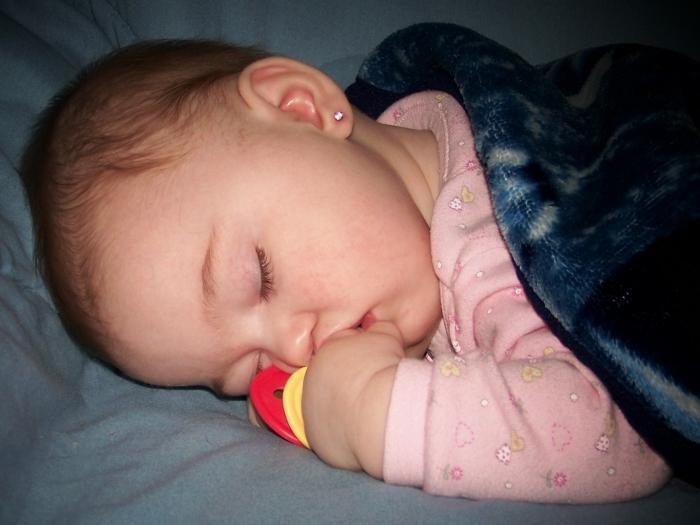 К чему снится новорожденная девочка беременной женщине