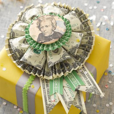 Необычный подарок из денег на свадьбу своими руками