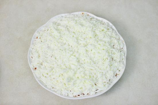 салат белый лебедь с грибами