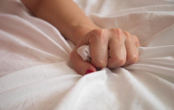 Как испытывать оргазм женщине