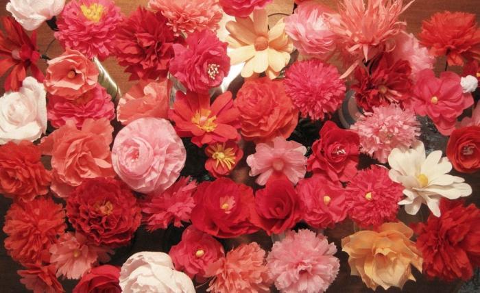 цветок из гофрированной бумаги своими рукми