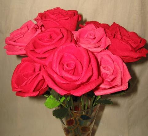 Розы из гофрированной бумаги мастер