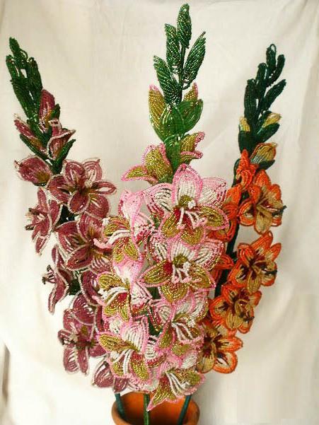 цветы из бисера гладиолус