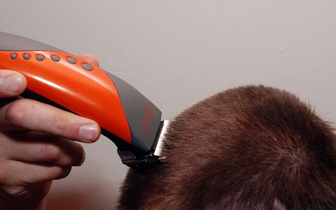 как подстричь мужчину машинкой дома