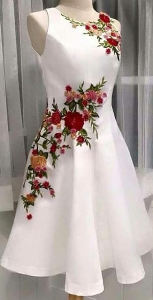 Нарядное платье для выпускного бала