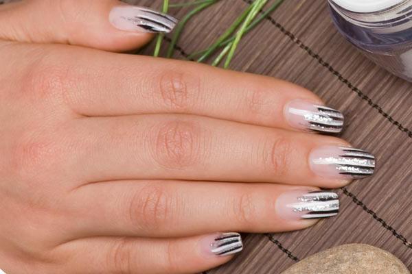 На ногтях продольные полоски