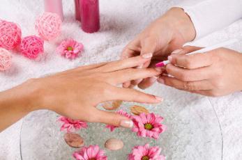 Продольные полоски на ногтях рук: причины. Лечение