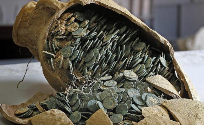 снится находить старинные монеты