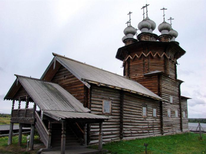 Российская древесная церковь. Кижи: монументы древесного зодчества…