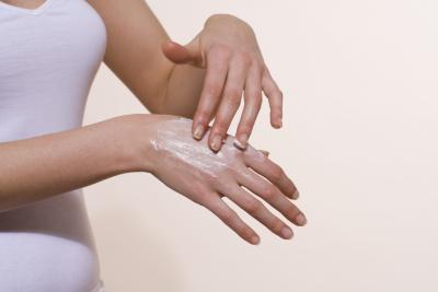 почему трескается кожа на пальцах
