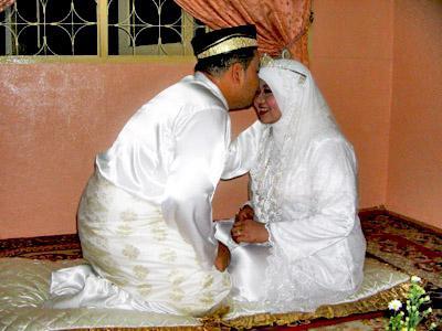 Брачная ночь у мусульман по всем канонам Корана