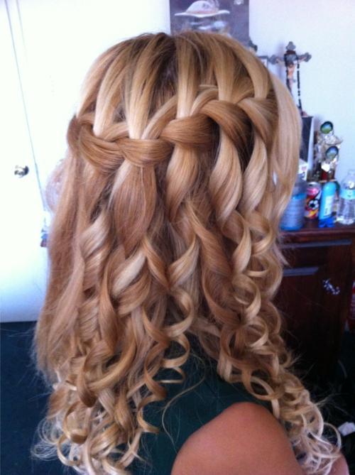 Прически на средние волосы водопад