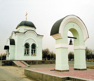 Каждый год на Митинском кладбище чтят память всех погибших в терракте в городе Беслан республики Северная Осетия.