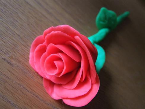 Делаем красивые поделки из пластилина