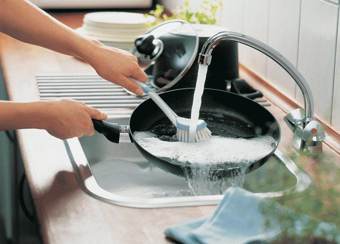 Очистить чугунные сковороды в домашних условиях
