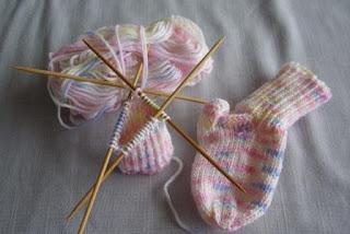 носочки для новорожденных схемы