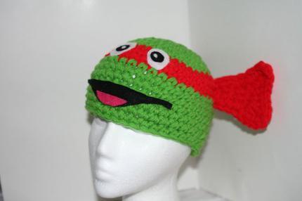 Шапка-маска - оригинальный головной убор для маскарада и повседневной носки
