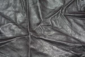 Уроки домоводства: как погладить куртку из кожзаменителя